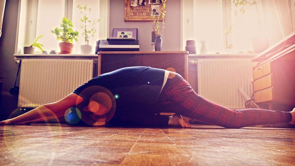 Yoga - die eigene Ungelenkigkeit als transzendierendes Mittel zum inneren Schmerz