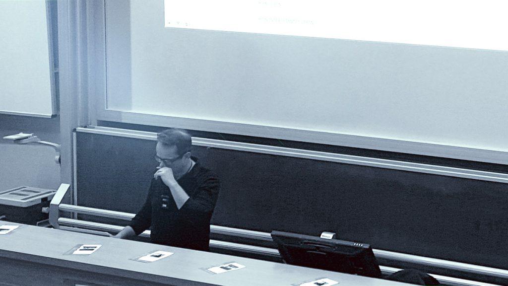 Rafael Horzon fässt sich in Greifswald an die eigene Nase